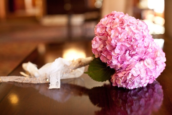 meadows events | meadowsevents.net | bride's pink hydrangea bouquet | Greg Eident Photography