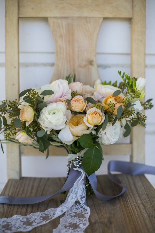 peach white airy bouquet